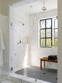 Beautiful Shower Design with marble tiles. Marble tiling i… Marble Shower Design. Beautiful Shower Design with marble Modern Farmhouse Bathroom, Farmhouse Design, Farmhouse Decor, Urban Farmhouse, Farmhouse Ideas, Farmhouse Trim, Craftsman Bathroom, Kitchen Modern, Farmhouse Style