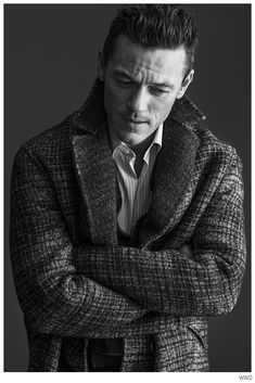 Luke Evans Stars in WWD Photo Shoot to Promote Dracula Untold image Luke Evans WWD 002