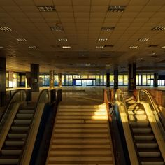 Saarinen was the architect of Athens international airport (Hellinikon). Photo from the East terminal Athens Airport, Eero Saarinen, International Airport, Abandoned Places, Modern Architecture, Greece, Around The Worlds, Airports, Storyboard