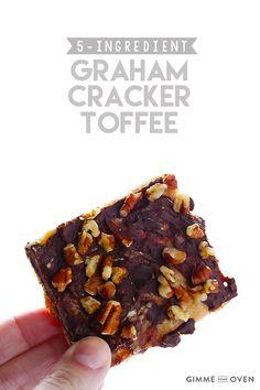 5-Ingredient Graham Cracker Toffee   gimmesomeoven.com #chocolate #dessert