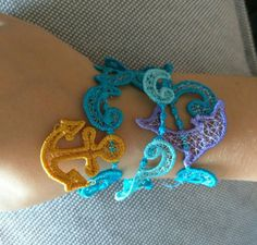 Check out this item in my Etsy shop https://www.etsy.com/listing/260475972/lace-anchor-bracelet-fsl-free-standing