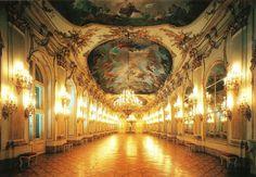 Amazing Vienna Schonbrunn Palace Interior 1024 x 711 · 872 kB · jpeg