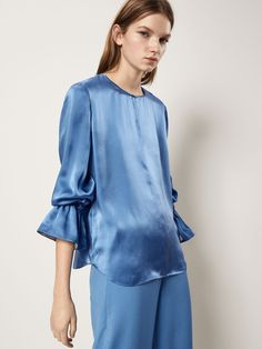 SILK BLOUSE WITH RUFFLE DETAIL - Women - Massimo Dutti Formal Blouses, Satin Blouses, Cool Street Fashion, Trendy Fashion, Fashion Outfits, Spring Wear, Spring Summer, Moda Formal, Nice Tops