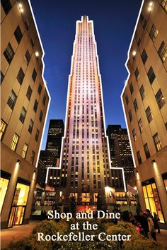 Located right in the middle of Manhattan, the Rockefeller Center is home to an ice rink, restaurants, TV studios and shopping stalls. It has 3 observation decks on 3 different levels that offer an impressive view of the city especially at night