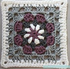 """Lily Pad"" Granny Square - Free Crochet Pattern & Tutorial - Pasta & Patchwork                                                                                                                                                                                 More"