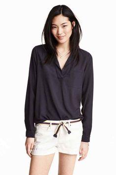 Blusa con escote de pico | H&M