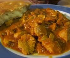 Indisches Butter Chicken by pmailaender on www. Butter Chicken, Vegan Curry, Bon Appetit, Chicken Recipes, Pork, Food And Drink, Healthy Recipes, Dinner, Cooking