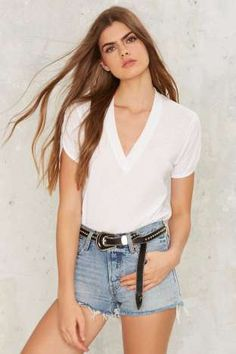 ddf4a1f2 Levi's 501 Denim Shorts - Waveline Uni Outfits, Summer Outfits, Casual  Outfits, Levis