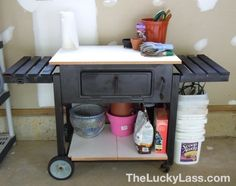 Grill Repurposed into Potting Bench - I love this so much and there are SO MANY BBQS that just get tossed when the grill no longer works! Cool Diy Projects, Outdoor Projects, Garden Projects, Home Projects, Garden Tools, Outdoor Decor, Outdoor Spaces, Outdoor Living, Garden Ideas