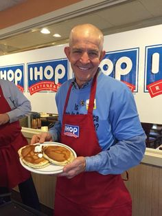 Mack had a great time at IHOP this morning, learning how to make the perfect pancake. Head to your local IHOP for National Pancake Day! Thank you to the ABC 13 Houston crew and the amazing folks at Shriners Hospitals for Children. Come see Mack at 6006 N Freeway after having your pancakes, TODAY!