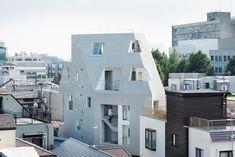 Kitasenzoku Apartment,© Takumi Ota