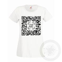 puoi scrivere nel QR code quello che vuoi!!! il codice è leggibile con molte app per ANDROID e iOS gratuite disponibili nei rispettivi app store come ad esempio: NeoReader® - QR & Mobile Barcode Scanner ricorda di comunicare la scritta da inserire nel QR prima o dopo l'ordine.