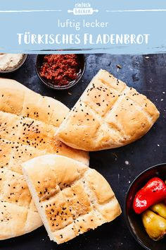 Sauce Pizza, Turkish Recipes, Pampered Chef, Pizza Hut, Food Inspiration, Bread Recipes, Camembert Cheese, Bakery, Brunch