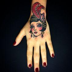 Analogic Love: Inspiração Old School nas tatuagens do estúdio brasileiro