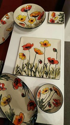 Para hacer con cuerda seca click now to see Amazing Pottery Painting Ideas To Try This Season - Free JupiterIdeas for painting porcelain Pottery Painting Designs, Pottery Designs, Paint Designs, China Painting, Ceramic Painting, Ceramic Art, Porcelain Painting Ideas, Pottery Plates, Ceramic Pottery