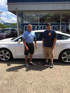 George Russell & the rest of the Turnpike Ford team would like to thank Chuck Cruikshank for his business 😉👍 #TurnpikeFord