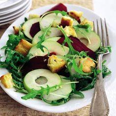 Recept - Zoet-pittige salade met knoflookcroutons - Allerhande