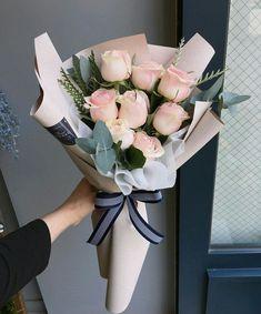 Flowers bouquet for your special occasion Boquette Flowers, Flower Bouquet Diy, Gift Bouquet, How To Wrap Flowers, Luxury Flowers, Floral Bouquets, Beautiful Flowers, Hand Bouquet, Graduation Flowers Bouquet