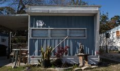 America's trailer parks: the residents may be poor but the owners are getting rich (Rupert Neate, The Guardian, 3 May 2015) Shown: Trailer in in Orlando, Florida.
