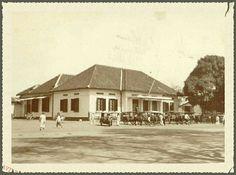 Postkantoor en Telegraaf te Malang 1920. Malang, Dutch East Indies, Java, Castles, Memories, Mansions, House Styles, Nostalgia, Memoirs