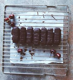 Ellie's 'Not So Naughty' Cherry Ripe Bars - Coconut Essence : Coconut Essence
