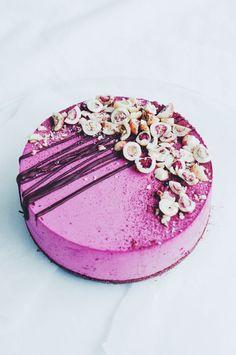 i make cake Cheesecake Decoration, Dessert Decoration, Cute Cakes, Yummy Cakes, Black Currant Cake, Flourless Cake, Chocolate Cheesecake Recipes, Cocktail Desserts, Cake Fillings