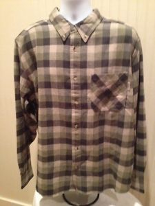 "very nice Mens Woolrich Heavy Duty Shirt.  Length: 31"" Width: 28"" Sleeve: 35"" Made in India Made by Woolrich Size: XL Color: Green Plaid 100% Cotton  $19.99 FREE SHIPPING!! CAN'T BEAT IT!! Visit www.ebay.com/bigthax62 to purchase!!! #Woolrich #HeavyDuty #Plaid #Ebay #MustHave"