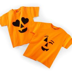 These cute DIY Jack-O-Lantern Emoji Last Minute Costumes are easy to make using a plain t-shirt Halloween Inspo, Fall Halloween, Halloween Crafts, Halloween Decorations, Buy Fabric, Fabric Shop, Last Minute Costumes, Group Halloween Costumes, Cute Diys