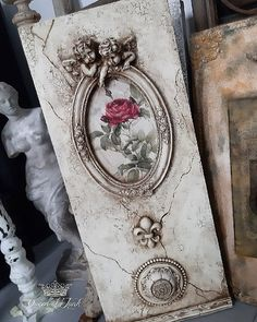 Decoupage Vintage, Decoupage Paper, Chicken Crafts, Picture Frame Decor, Plaster Art, Iron Orchid Designs, Mixed Media Scrapbooking, Shabby Chic Crafts, Funky Furniture