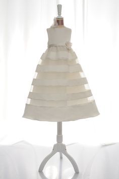 A-line sleeveless tulle dress for flower girl