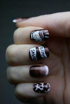 Coffee-themed nail art for all of us caffeine addicts! Love the ring finger the most