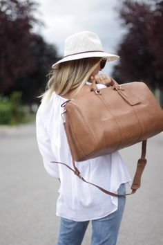 Weekender bag! And this HAT is from Forever 21!!