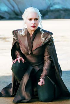 "daenerystargaryendaily: """"New still of Daenerys Targaryen in s7 "" """