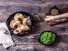 Lutefisk med bacon, sennepssaus og ertepuré