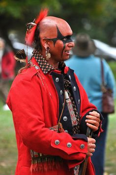 A re-enactor representing one of John Norton's Mohawk warriors who participated in the Battle of Queenston Heights. Indian Tribes, Native Indian, Seneca Indians, Mohawk Indians, Mohawk Warrior, Woodland Indians, American Indian Art, American Women, British Uniforms