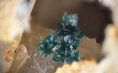 Brochantite | #Geology #GeologyPage #MineralLocality: Tucumana Mine, Inca de Oro, Chañaral Province, Atacama Region, ChileSize: 1 × 1.3 × 1.4 cmPhoto Copyright © ROCKS-STORE /e-rocks.comGeology Pagewww.geologypa...