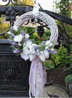 Easter Flower Arrangements, Easter Flowers, Spring Flowers, Floral Arrangements, Summer Door Wreaths, Easter Wreaths, Holiday Wreaths, Silk Flower Wreaths, Floral Wreath
