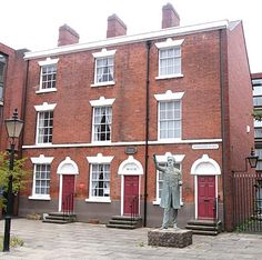 12 is William Booth birthplace) Nottingham City Centre, Old Buildings, Windows And Doors, Curb Appeal, Britain, Places To Go, Around The Worlds, Army, England