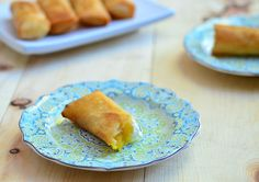 MANGO AND CREAM CHEESE TURON - Ingredients 2 ripe but firm Philippine mangoes cup sugar 12 springroll wrappers 4 ounces cream cheese, cut into thick strips vegetable oil for frying== Filipino Dishes, Filipino Desserts, Asian Desserts, Filipino Recipes, Filipino Food, Asian Recipes, Turon Recipe, Comida Filipina, Cheese Cupcake