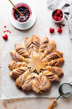 Recipe for beautiful, soft and fluffy star bread with raspberry jam filling. Perfect for sharing with loved ones over festive gathering! Party Bread Recipe, Best Bread Recipe, Bread Recipes, Delicious Desserts, Dessert Recipes, Fruit Dessert, Breakfast Recipes, Festive Bread, Star Bread