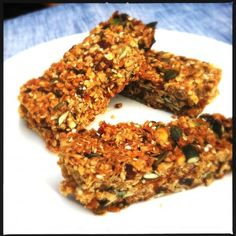 Healthy & delicious abricot muesli bars - Made by Ellen Healthy Cooking, Healthy Snacks, Raw Food Recipes, Healthy Recipes, Bio Food, Sports Food, Food Inspiration, Clean Eating, Food And Drink