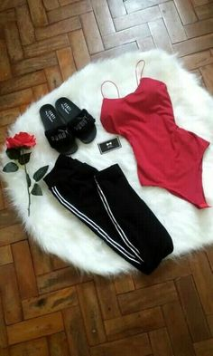 One of those oufits that make you fall in love, Crop Top Outfits, Mode Outfits, Girl Outfits, Fashion Outfits, Fashion Fall, Fashion Fashion, Simple Outfits, Classy Outfits, Trendy Outfits