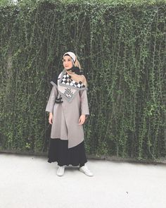 Popular modest fashion for women classy ideas Muslim Fashion, Modest Fashion, Hijab Fashion, Fashion Outfits, Niqab, Fashion Design Books, Hijab Chic, Stylish Hijab, Hijab Casual