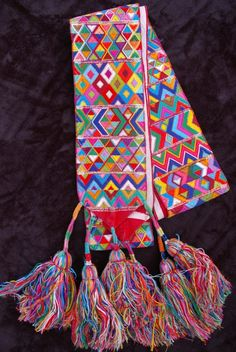 aguacatan belt, guatemalan hair tie, foot loom, hand woven, cinta, wrapped