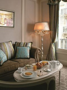 Exceptional Living room in Hotel Balzac Junior Suites, 5-star Hotel in Paris, in the Faubourg Saint-Honoré area.