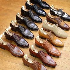 Bespoke Makers — Hiro Yanagimachi,picture courtesy by. Mens Fashion Shoes, Fashion Boots, Suit Shoes, Dress Shoes, Formal Shoes, Casual Shoes, Italian Shoes For Men, Gents Shoes, Gentleman Shoes