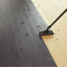 Painted Floors Painting a wood floor. Simple Home Improvement Idea: Vinyl Siding If you've been look Diy Flooring, Wooden Flooring, Kitchen Flooring, Cheap Flooring Ideas Diy, Inexpensive Flooring, Wood Floor Kitchen, Painted Hardwood Floors, Old Wood Floors, Painting Laminate Floors