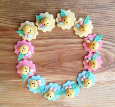 12 little fondant chicks for your Easter party