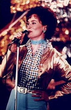 Jessica Lange as Patsy Cline in Sweet Dreams.