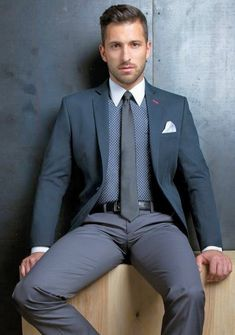 Men In Tight Pants, Tight Leather Pants, Mens Fashion Suits, Mens Suits, Hot Suit, Designer Suits For Men, Best Dressed Man, Looking Dapper, Stylish Mens Outfits